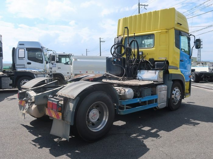2322   UDトラックス トラクタ ダンプポンプ付