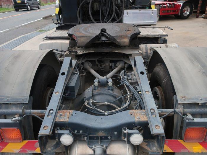 2335  UDトラックス トラクタ ダンプポンプ付