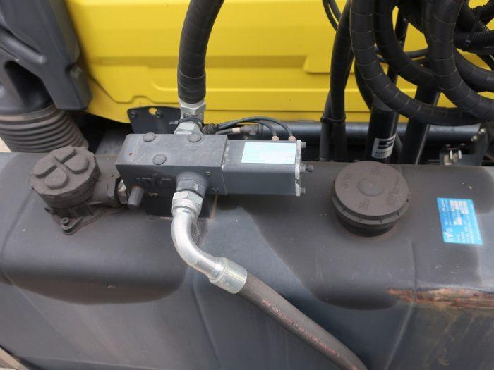 2336 UDトラックス トラクタ ダンプポンプ付