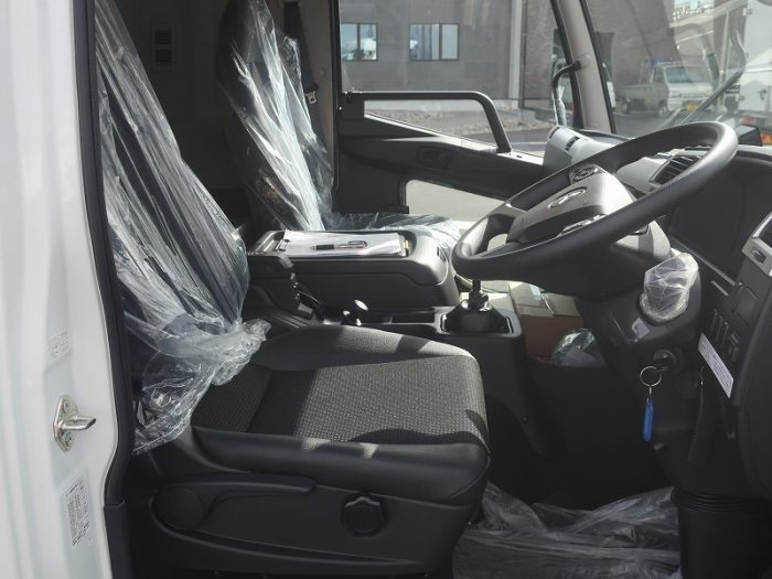 2384 三菱 ウイング リアエアサス 未使用車