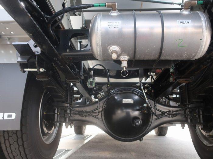 2415 いすゞ ミキサー 4トン 未使用車