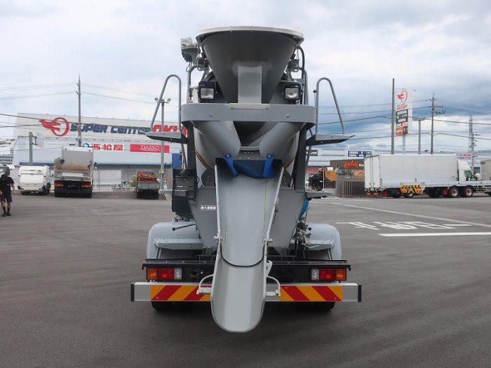 2432 いすゞ ミキサー 4トン 未使用車